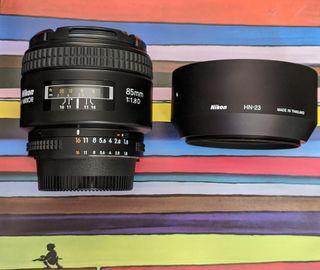 Objetivo Nikon 85mm f1.8 D Japón, en caja IMPOLUTO