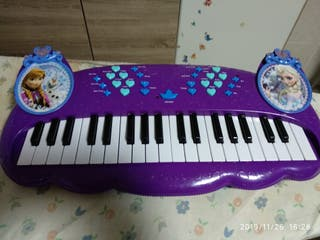 piano frozen