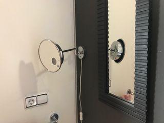 Espejo estética de pared de aumento con luz