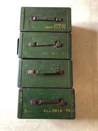 Caja de metal militar municiones