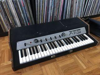 Antiguo teclado Organo piano Atis