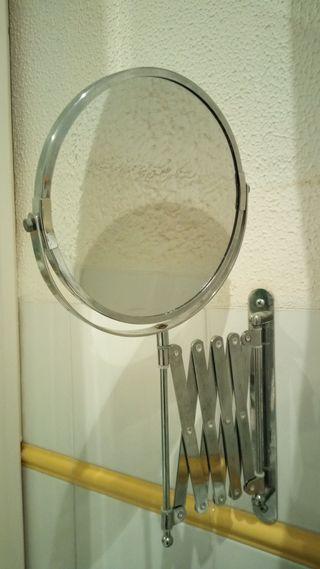 Espejo con aumento de Ikea