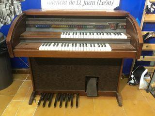 Organo electrónico lowrey