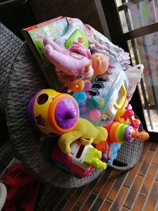 Pack de juguetes seminuevos / nuevos para niñ@