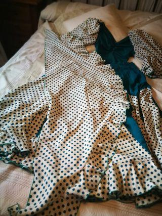 traje de sevillanas flamenca