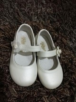 Zapatos número 23
