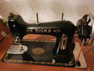 Maquina de coser SIGMA antigua