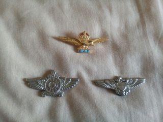 Insignias militares varias de metal
