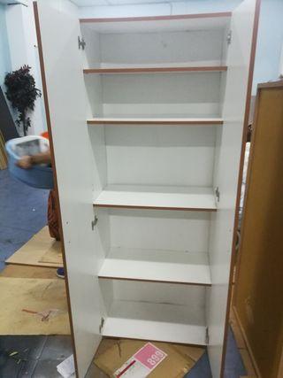 Armario estantes