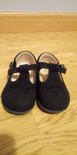 Zapatos pepitos de ante bebe niño