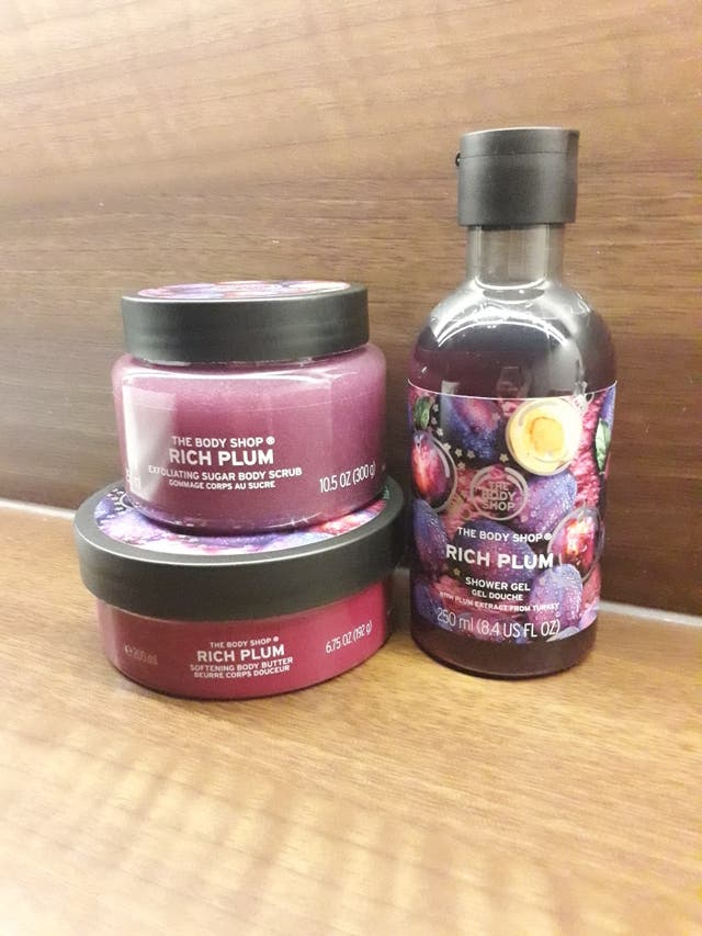rich plum shower set