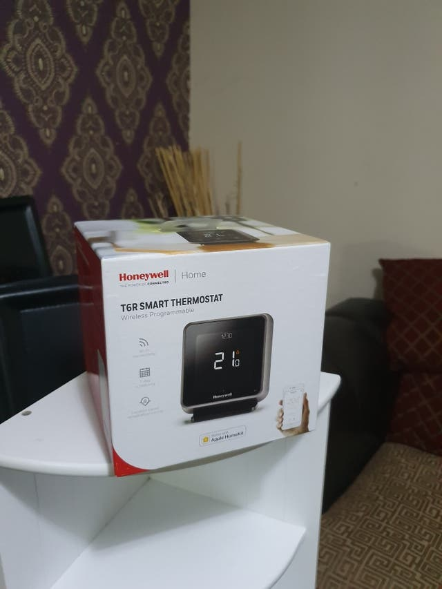T6R smart thermostat