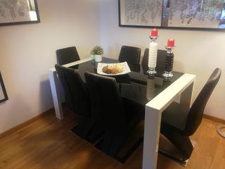 Conjunto de mesa de comedor y sillas