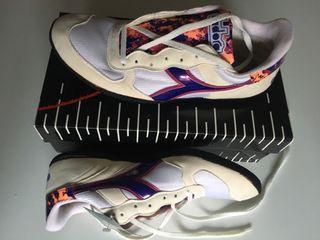 Zapatillas de lanzamientos. Peso y Disco