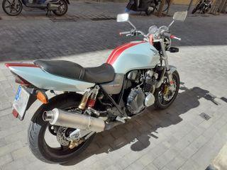 Honda CB 400 SF con Vtec