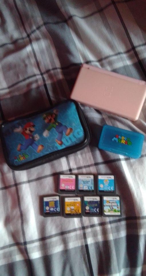 pink Nintendo D's