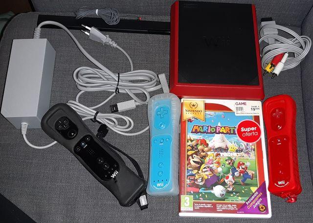 Wii Mini con todo + Marioparty y 3 mandos