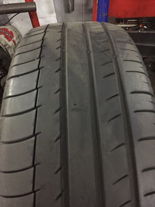 2 neumáticos 225/60R18 Michelin