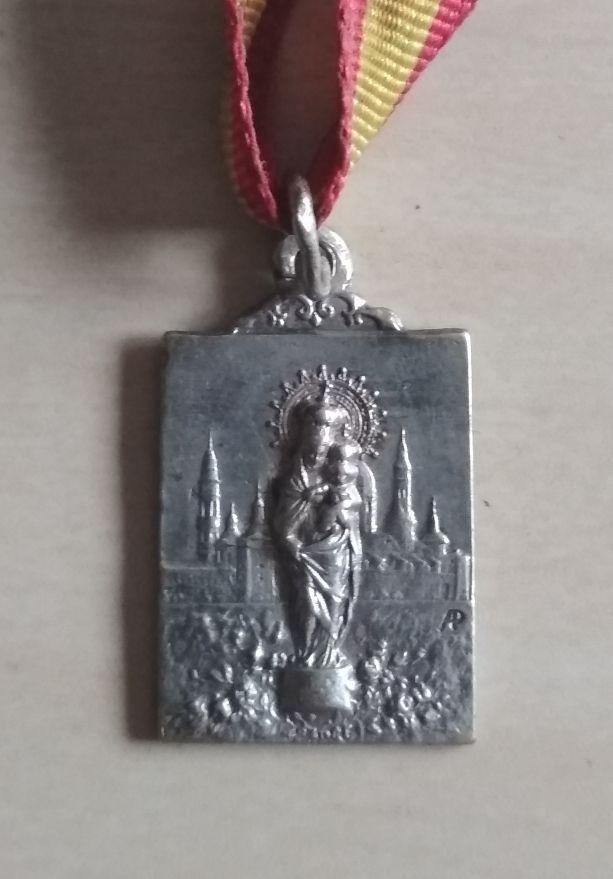 Antigua medalla virgen del Pilar años 40/50