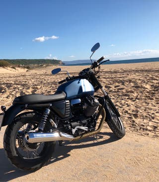 Moto Guzzi V7II Special