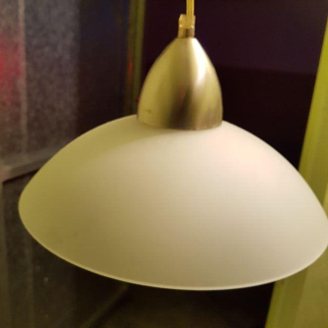 Se venda lampara colgante con bombilla