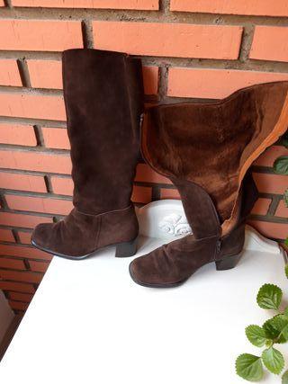 Botas altas Zara de segunda mano en León en WALLAPOP