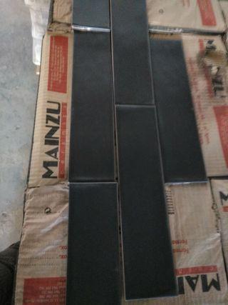 azulejo gres rustic negro mate 7'5*30