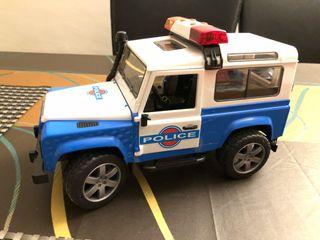 Coche de policía Land Rover
