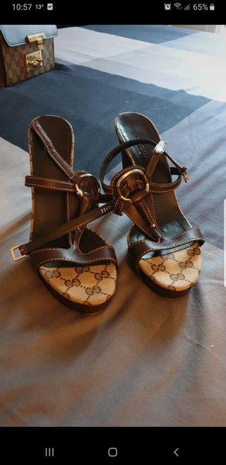 Sandalias de Gucci ( Auténtica )