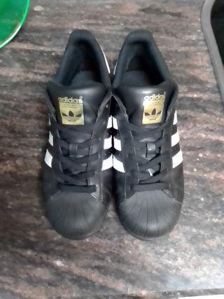 Adidas Superstar BlancasNegras Talla 38 y 23 de segunda