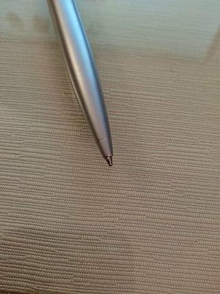 Bolígrafo y Llavero con su estuche