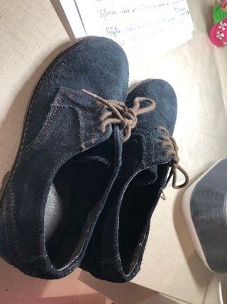Zapatos azul oscuro ante talla 31