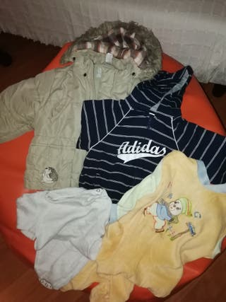 lote de ropa de bebé. 24 meses