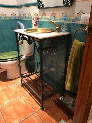 Mueble de baño en forja