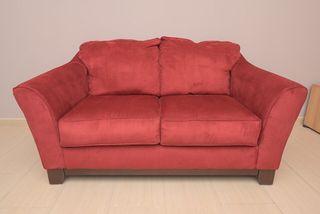 Sofa rojo 2 plazas aterciopelado
