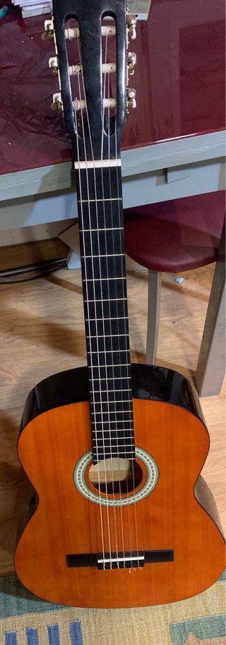 Guitarrica española sin usar