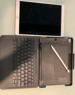 Apple iPad Pro 256GB, Logitech Keyboard + Pencil
