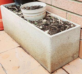 2 jardineras de piedra por 35€ [60x22x20] ( Más artículos Jardin en mi perfil