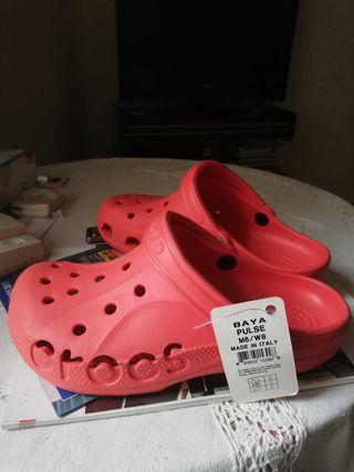 zuecos Crocs nuevos con etiqueta