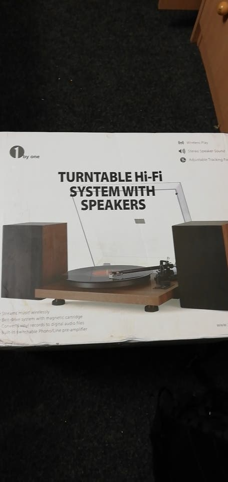 1by one turntable Hi-Fi system with speakers