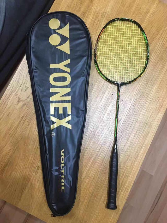 Badminton racket with case (good condition)