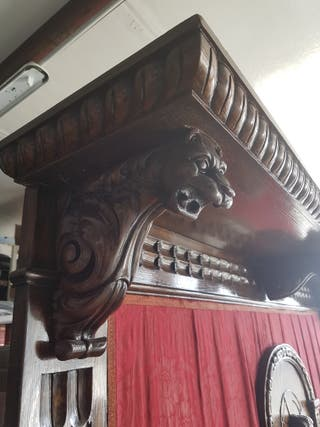banco de castaño antiguo.