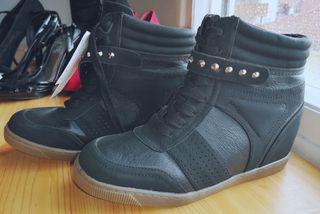 Zapatillas nuevas talla 38 tacón interior 6cm