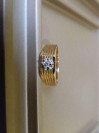 Anillo oro y diamante hombre