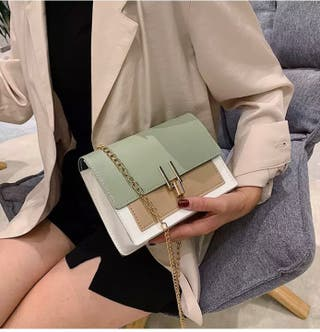 Joli sac à bandoulière vert, blanc et marron