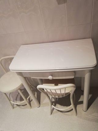 Mesa cocina + 2 taburetes