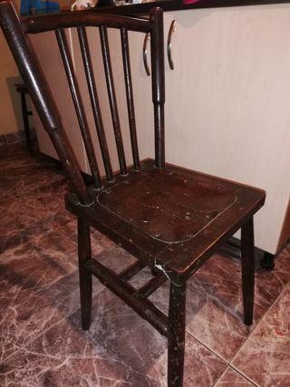 sillas muy antiguas