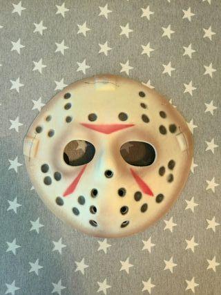 Mascara de el Friday 13