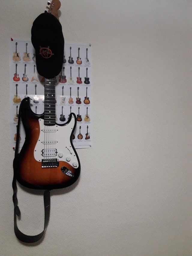 vendo guitarra electrica.