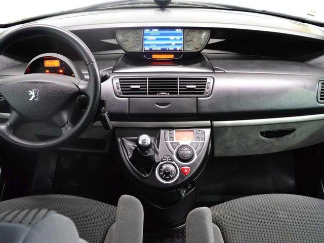 Peugeot 807 Family 2.0 HDI 136 FAP